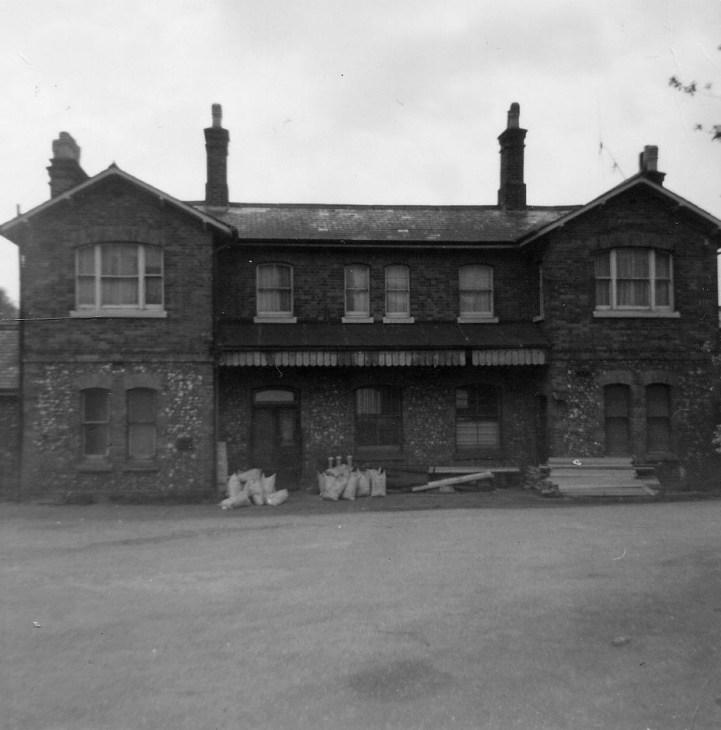 St Albans London Rd 11 Forecourt 1968