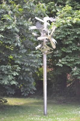 B1431AlbanWaySculptureRailway&Air20130607 - Copy (427x640)