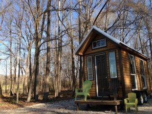 20140203mo-tennesee-tiny-homes-happy-pawpaw