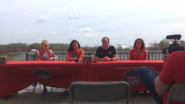 Tori Huster, Katie Stengel, head coach Jim Gabarra, and Shelina Zadorsky