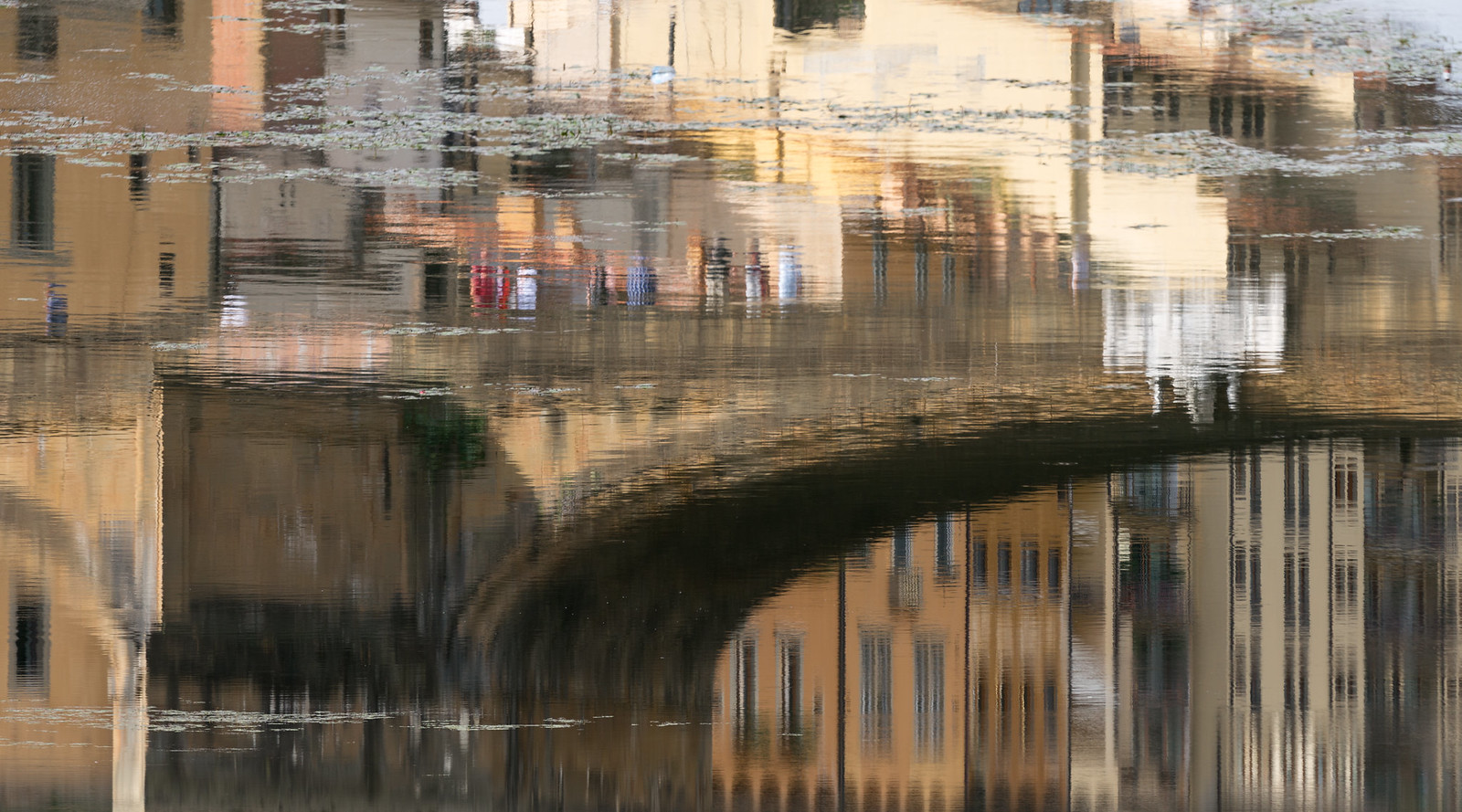 Arno Reflections: Florence by Joshua Windsor | on Instagram @josh.michael.windsor