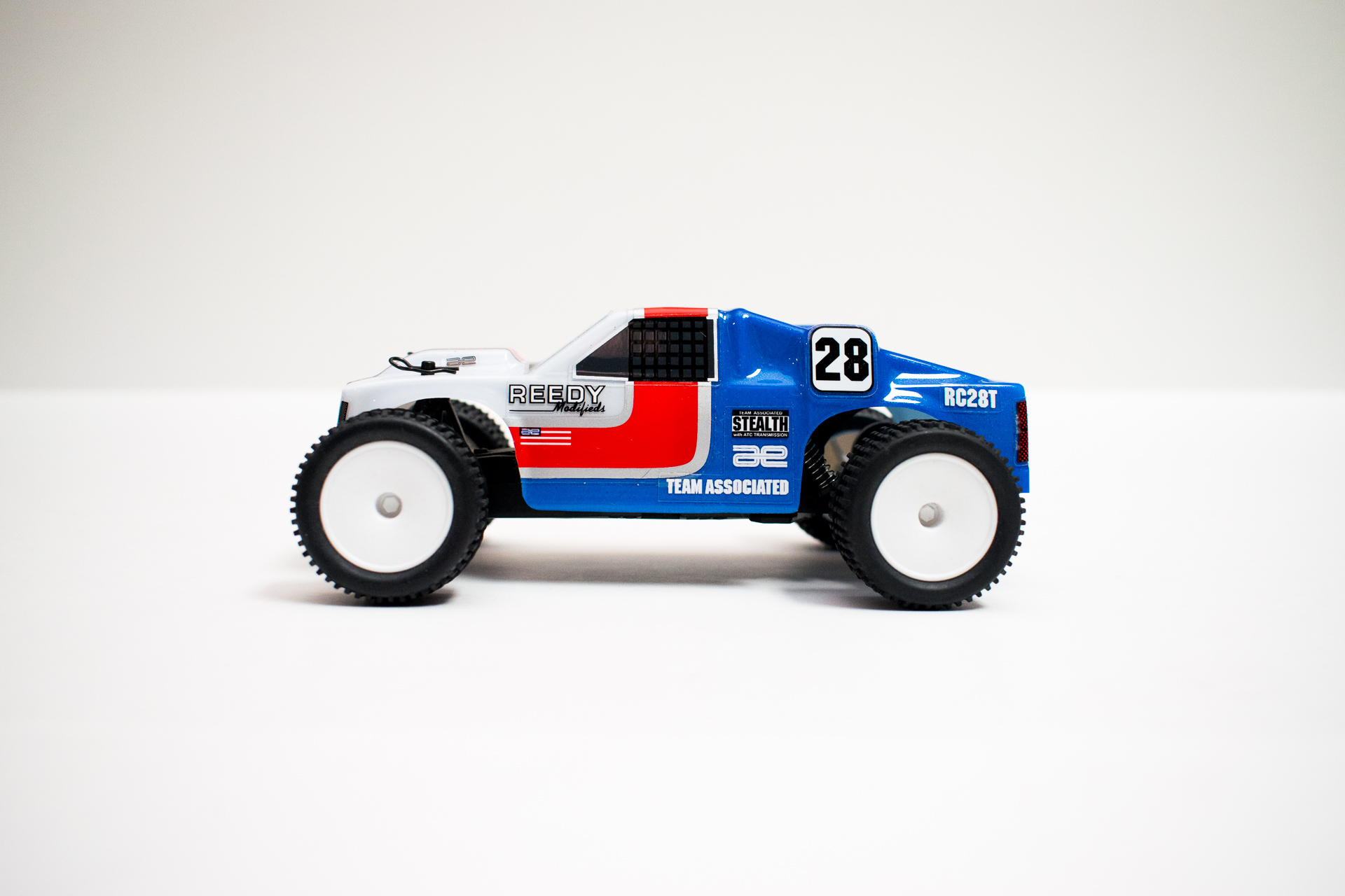 Team Associated RC28T - Side