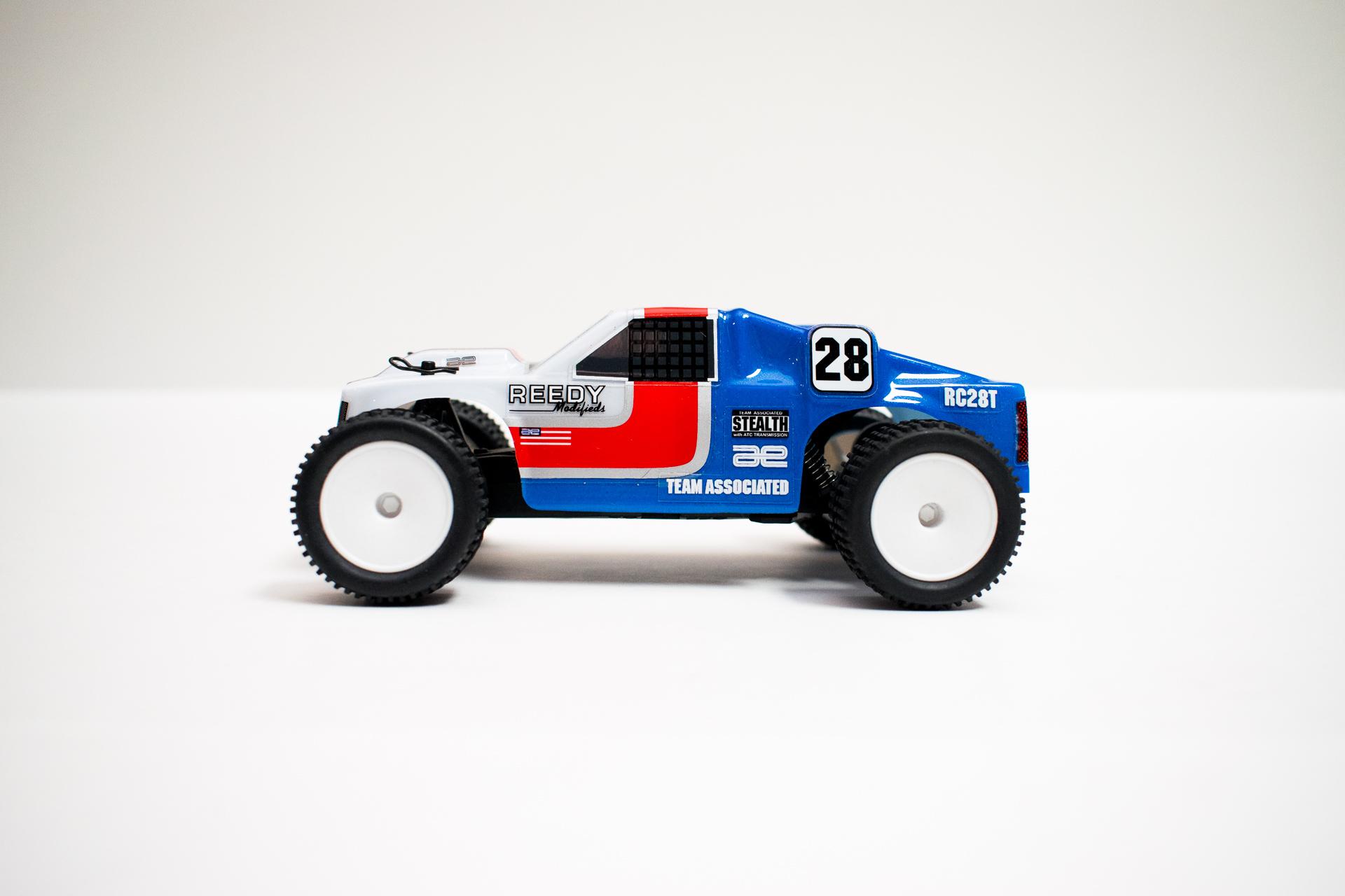 Team Associated RC28T - Side