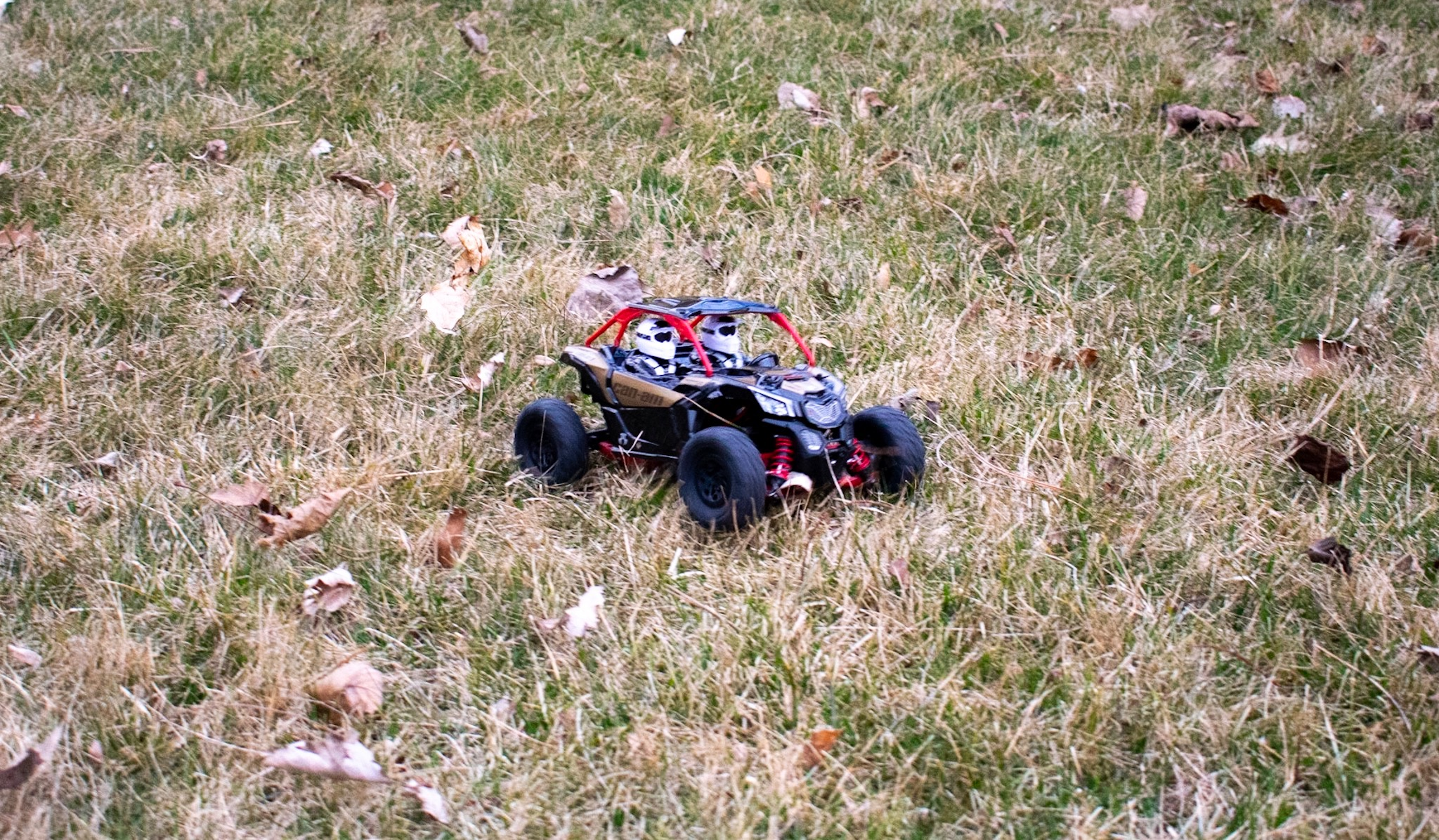 Axial Yeti Jr. Can-Am Maverick X3 - Outdoors 1