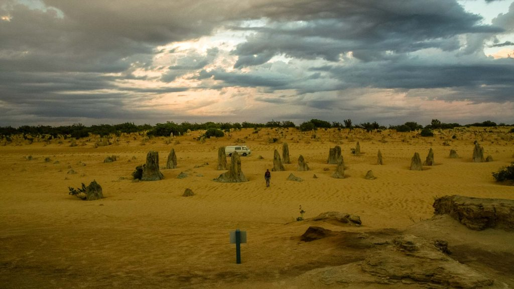 pinnacles desert dopo il tramonto