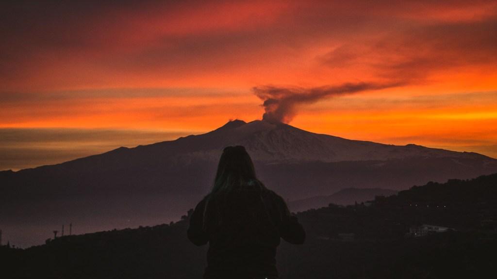 Tramonto Etna Sicilia Vale silhouette