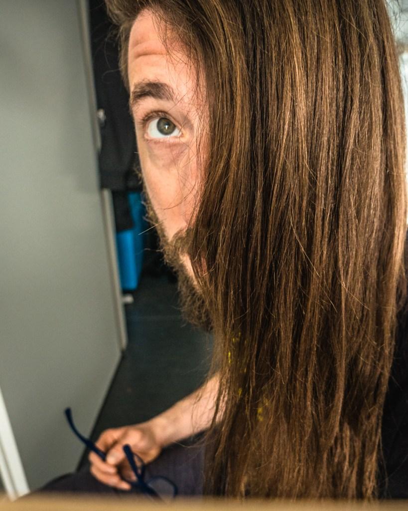 lavare i capelli senza shampoo ragazzo capelli lucenti belli