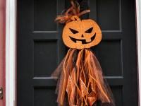 DIY Halloween Wreath – Dollar Store Door Decor