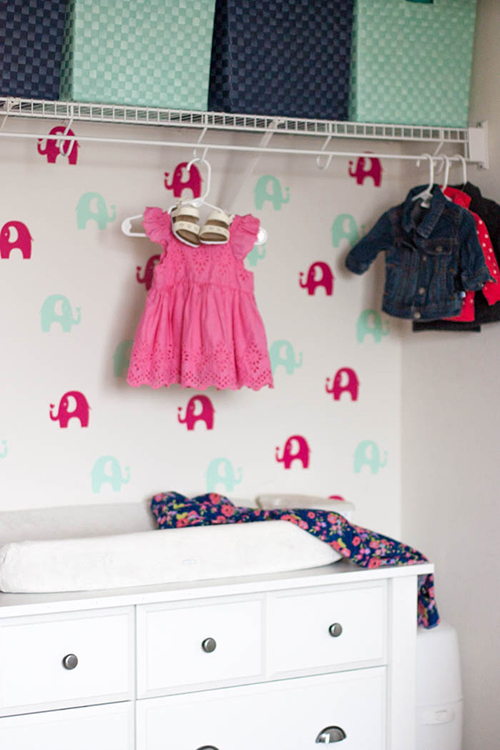 diy-temporary-wallpaper-elephants-in-a-nursery