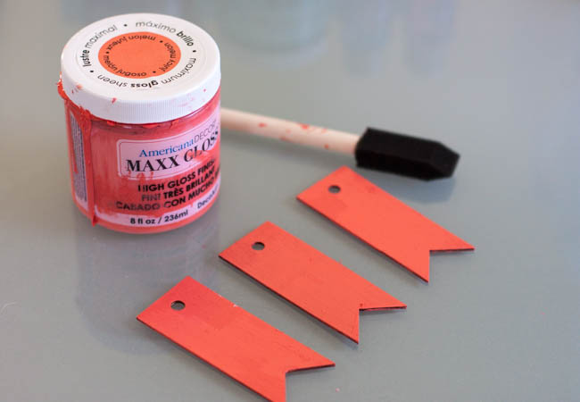 DIY Labels Made With Wood Painted Coral