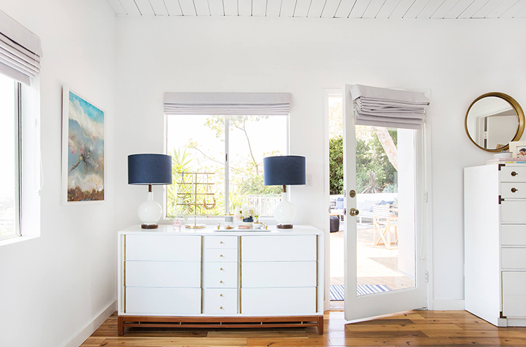 navy-and-white-lamps-on-white-dresser