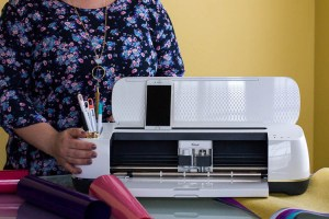 cricut-maker-in-craft-room
