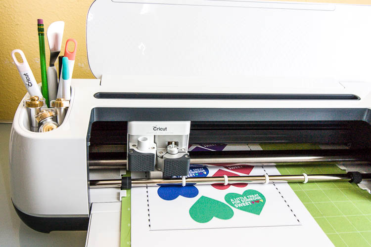 Cricut cutting out DIY labels