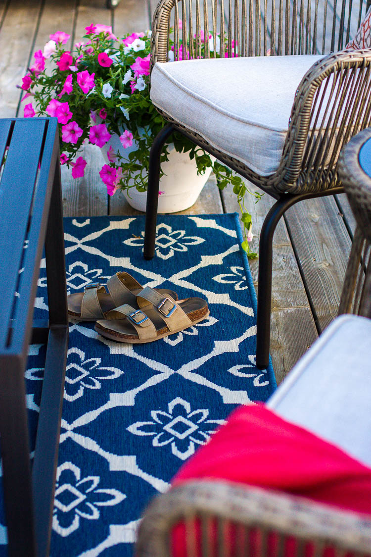 blue-outdoor-rug-on-deck