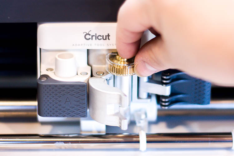 inserting-blade-in-cricut-maker