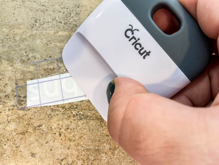 cricut-scraper-tool-close-up
