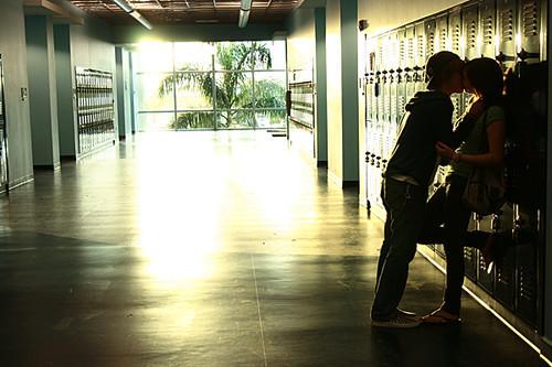 Je te hais… passionnément : amour, trahison et violence au lycée
