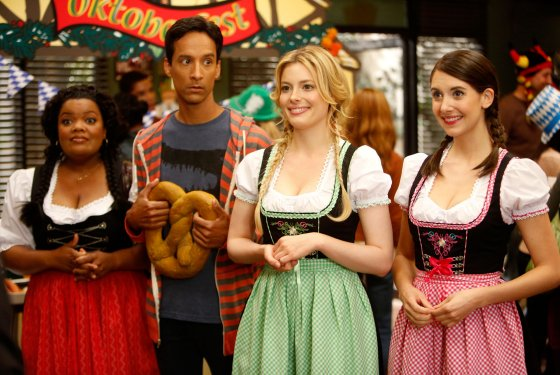 Community – 4×04 – Alternative History of the German Invasion