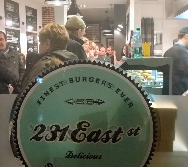 Burgers - 231 East Street : Et si Saint Lazare oubliait un peu Burger King ? WP 20140123 20 52 05 Pro2