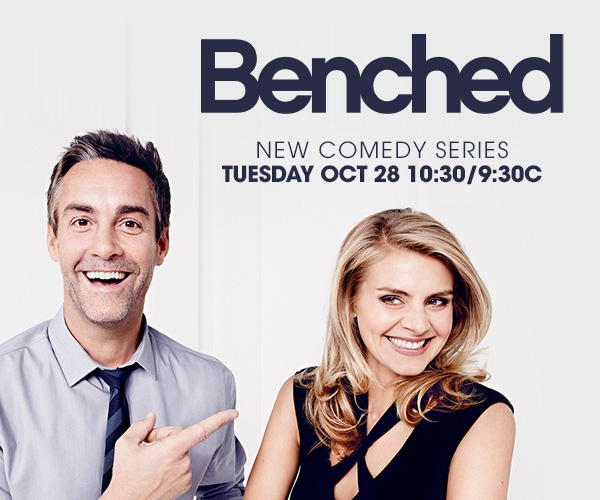 benched - Benched 1x01Pilot benched affiche 01