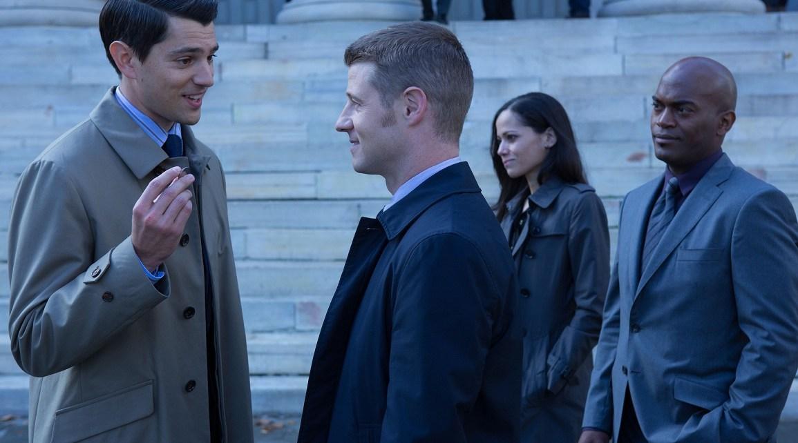 gotham - Gotham 1x09 : Harvey Dent harvey dent coin episode gotham