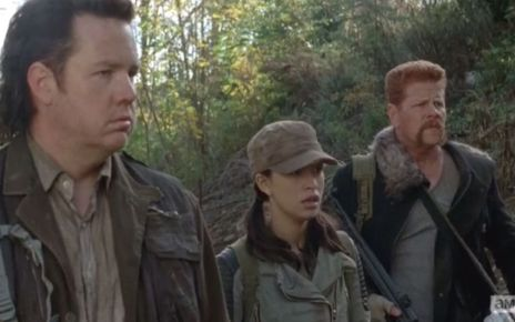 saison 5 - The Walking Dead 5x05 : Self Help us eugene rosita and abraham watch glenn run off