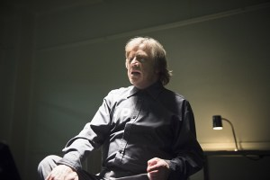 The-Flash-season-1-episode-17-Trickster