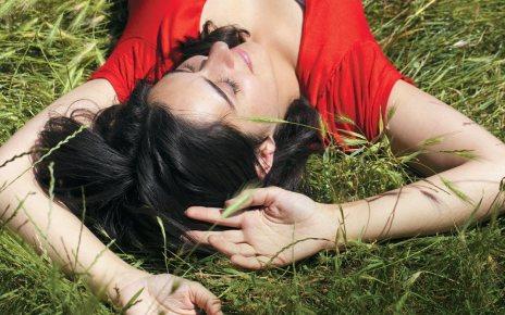 comédie romantique - Retour sur Terre : et si vous perdiez 6 ans de votre vie en 5 minutes ? retour sur terre couv
