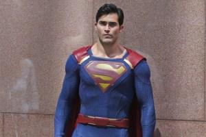 metallo - Metallo vs Superman chez Supergirl