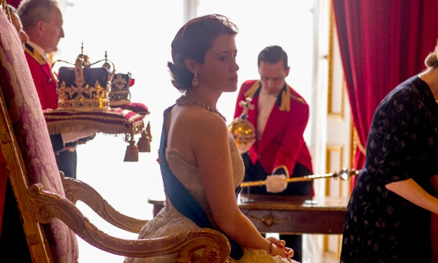 The Crown : affiche et trailer de la série Netflix