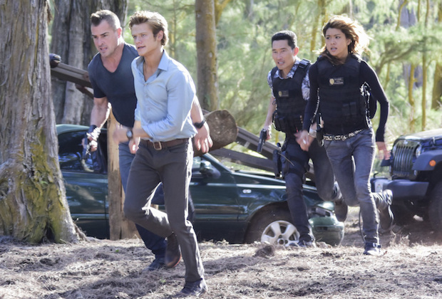 hawaii 5-0 - MacGyver et Hawai Five-0 : le crossover ! macgyver hawaii five 0 crossover preview