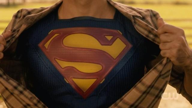 arrow - Elseworlds: le crossover Flash / Arrow / Supergirl superman shirt rip fail
