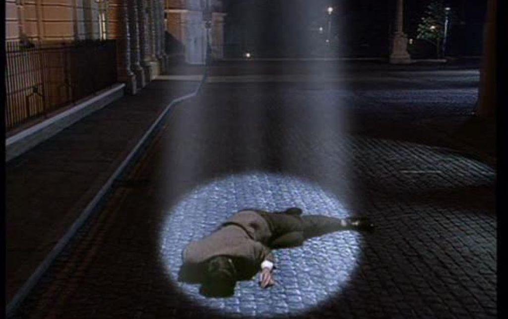 Actus - Mais, au fait, pourquoi Mr Bean apparaît dans un faisceau de lumière dans le générique ?