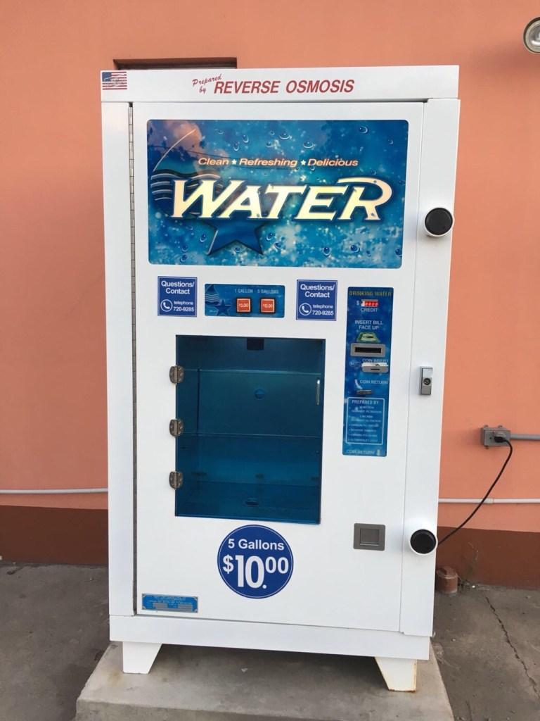 Osmosis water filtering machine