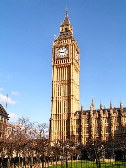 Big Ben | Karrackoo / GFDL or CC-BY-SA-3.0 / Wikimedia Commons