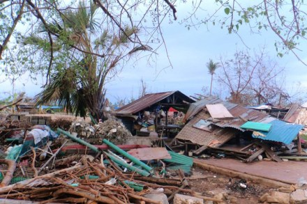 remembering_haiyan_damage_02