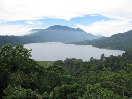 Lake Tamblingan_Image by Dave_CC BY 2-0