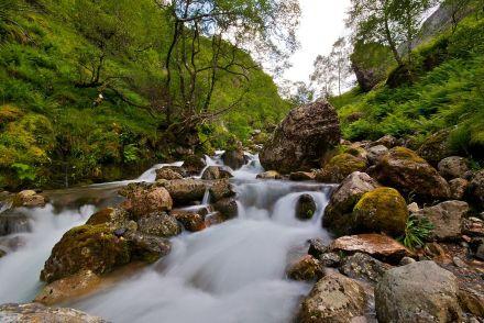 Glencoe waterfall | Image by Gil Cavalcanti | CC BY-SA 3.0