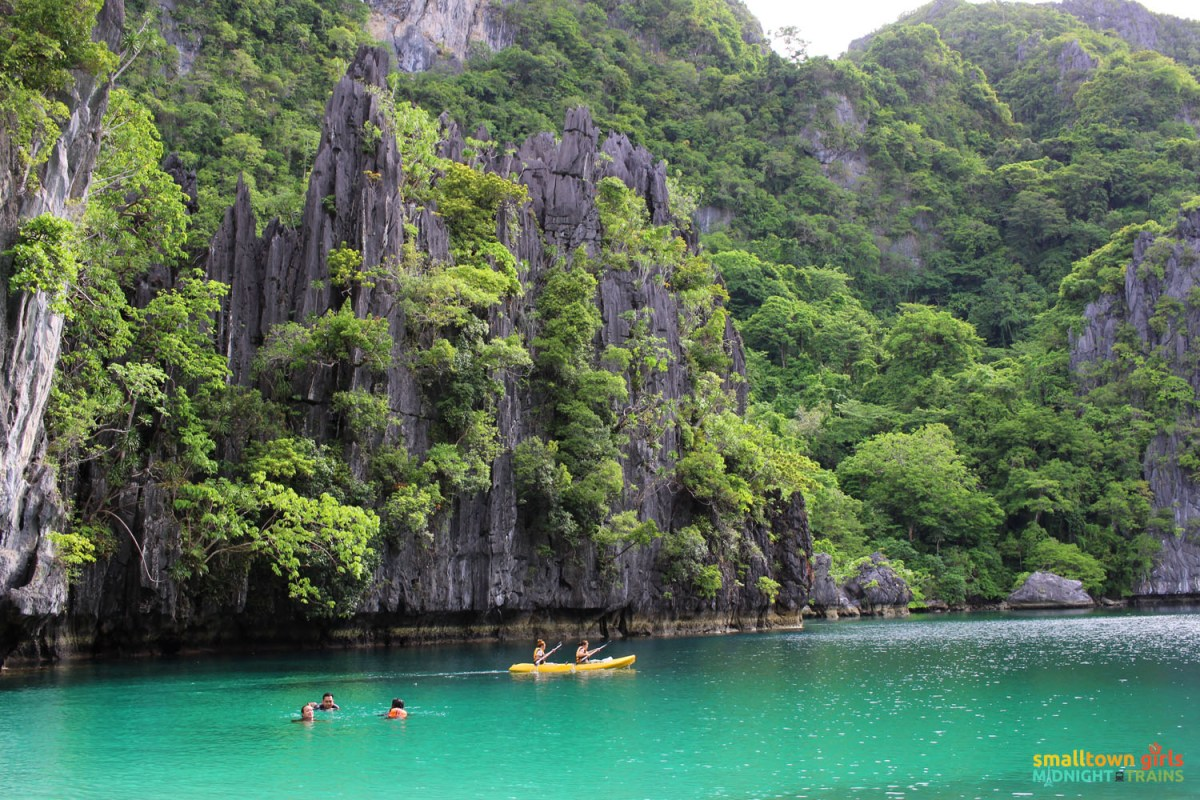 El Nido paradise combo tour A and C -- Swimming and kayaking at the Big Lagoon