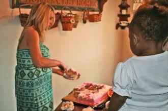 serve-the-cake