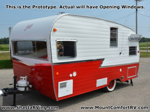 Shasta_Airflyte_2015_1961_16SC_Re-Release_Mount_Comfort_RV_Exterior_Front_Quarter