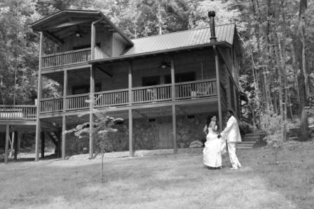 Cabin & Vacation Rental Weddings