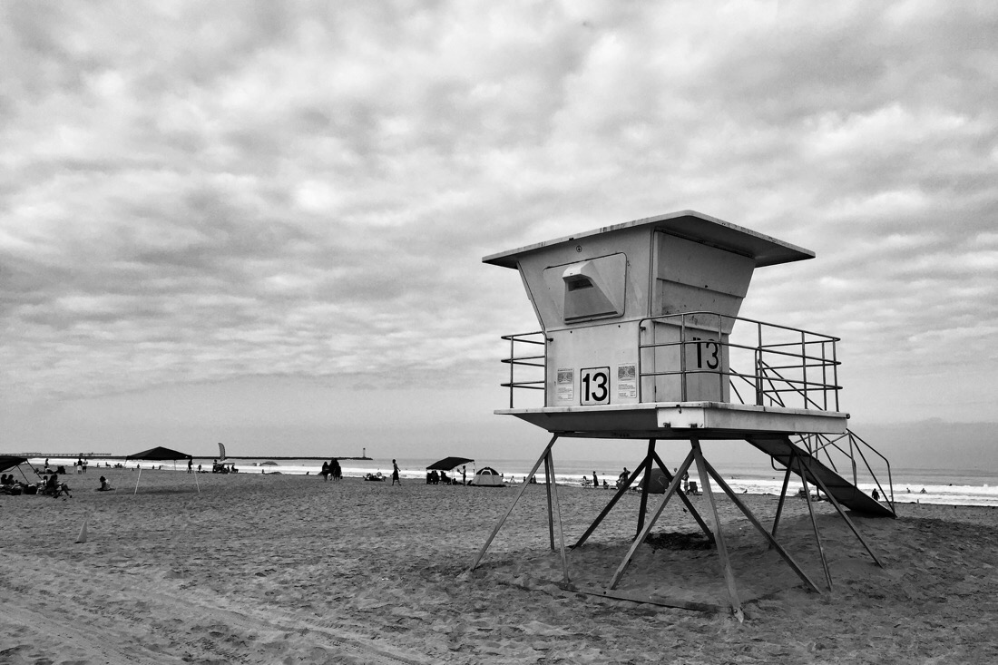lifeguard station on mission beach in san diego, ca