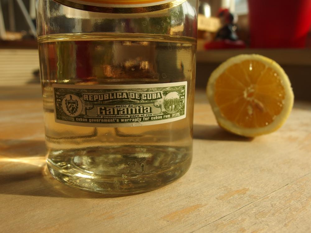Zitronenkuchen mit Ingwer, Mohn & Rum-Glasur