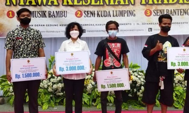 Berprestasi Lewat Alat Musik Bambu