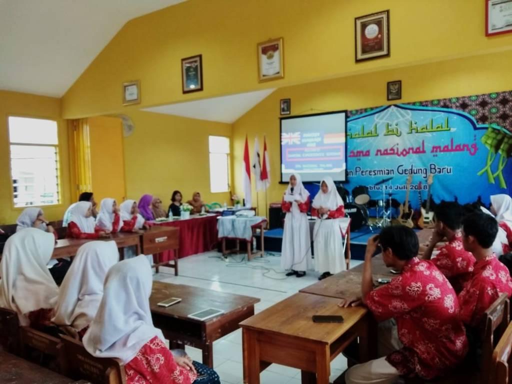"""Seminar """"Berbagi Pengalaman"""": Kolaborasi DWC dan ECC SMANAS 5"""