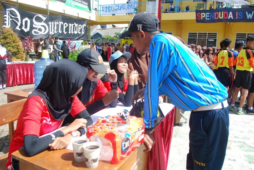 Atlet Voli SMP Malang Raya Junjung Sportivitas dalam SMANAS Cup 2020 15