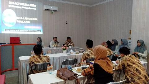 Silaturrahim dan Sharing Pengalaman dalam Kunjungan SMASHA di SMANAS 3