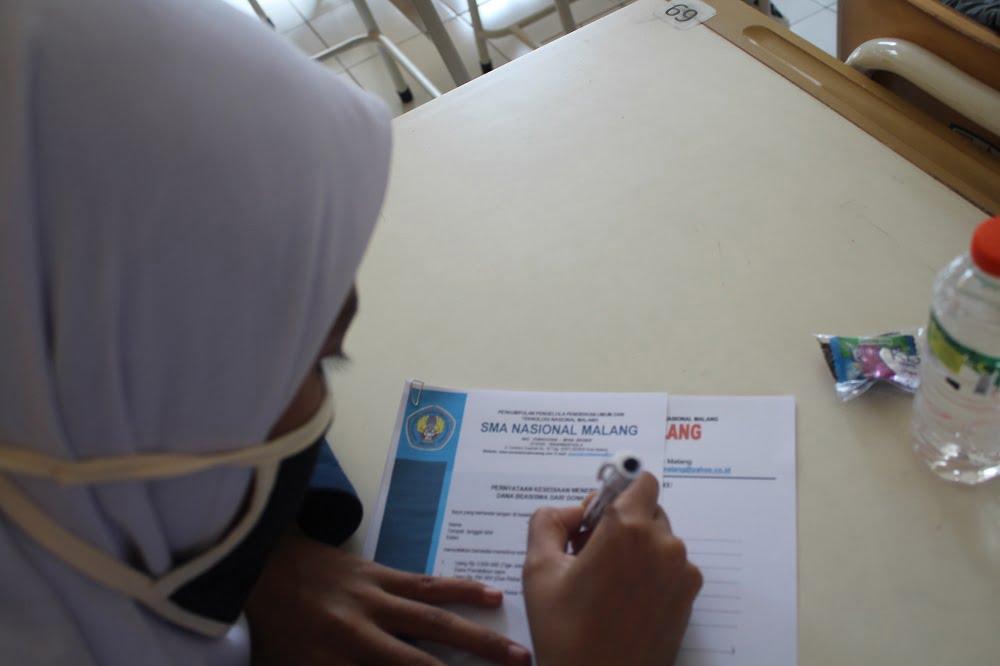 Penandatanganan Pakta Integritas Peserta Didik Baru SMA Nasional Malang Tahun Pelajaran 2020/2021 Gelombang I 4