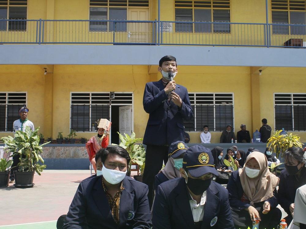 Penganugerahan Alumni Berprestasi SMANAS dalam Cangkrukan Bung Tomo di Hari Sumpah Pemuda 9